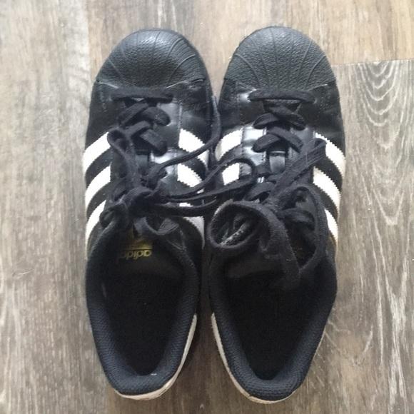 Black Adidas SuperStars Womens 4.5